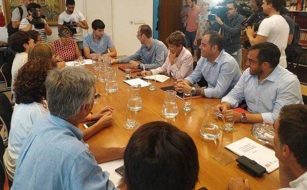 Izquierda-Ezkerra no entrará en el nuevo Gobierno de Navarra y PSN, Geroa Bai y Podemos negocian Ejecutivo de coalición