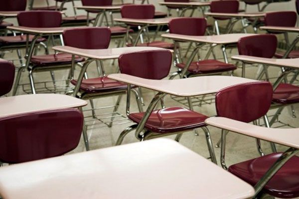 Aprobada una moción de Izquierda-Ezkerra en el Parlamento de Navarra para garantizar la no supresión de unidades escolares en la escuela pública