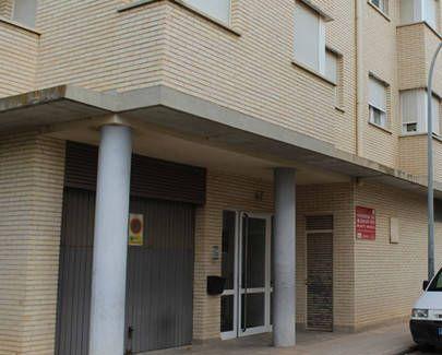 Izquierda-Ezkerra registra una pregunta en el Parlamento sobre la problemática de 38 familias de Castejón afectadas por un posible desalojo.