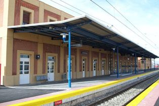 IE pregunta al Gobierno de Navarra por el cierre de las ventanillas de venta de billetes y atención en algunas estaciones de ferrocarril