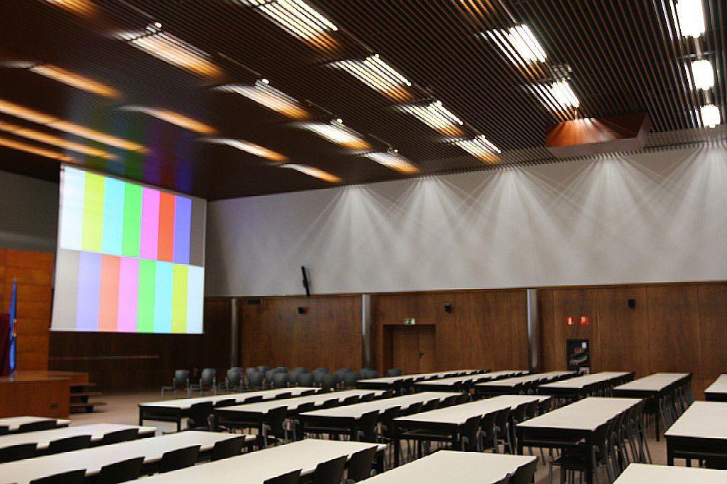 Izquierda-Ezkerra rechaza la valoración académica de una charla de Nadia Calviño organizada por la UPNA