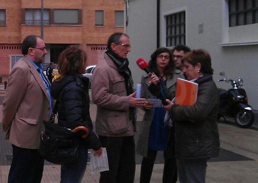 Izquierda-Ezkerra apuesta por el voto joven para que llene las urnas de indignación