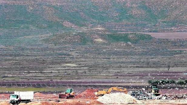 Izquierda Ezkerra manifiesta su total rechazo a la propuesta sobre el traslado de la basura de Iruña y su comarca a Tudela.