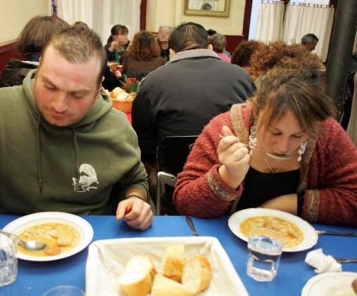 """Izquierda-Ezkerra pide al Gobierno foral que """"rectifique"""" para el pleno de este martes el proyecto de ley sobre renta básica"""