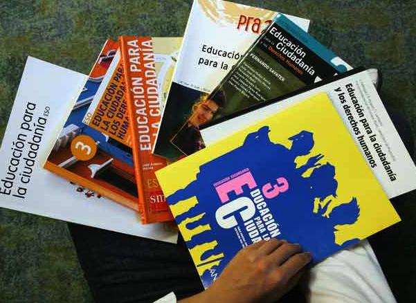 Izquierda-Ezkerra presenta una Moción en el Parlamento para apoyar el mantenimiento de ¨Educación para la Ciudadanía¨
