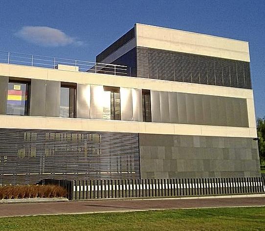 I-E de Egüés recurre al TAN la resolución de alcaldía de retirar la bandera republicana de su ventana