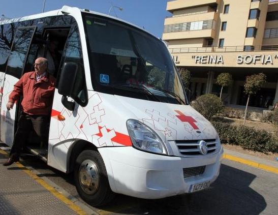 Usuarios del autobús interhosptalario piden en el parlamento que se mantenga el servicio
