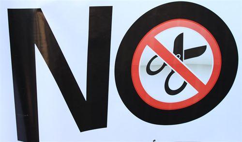 El Parlamento debe forzar a Barcina a retirar el recorte de 132 millones o a convocar elecciones