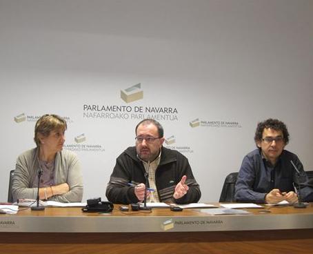 Izquierda-Ezkerra llama a la rebelión democrática contra la guillotina social de UPN-PP