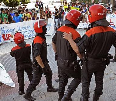 Nuin muestra el rechazo de I-E a la actuación policial en la UPNA