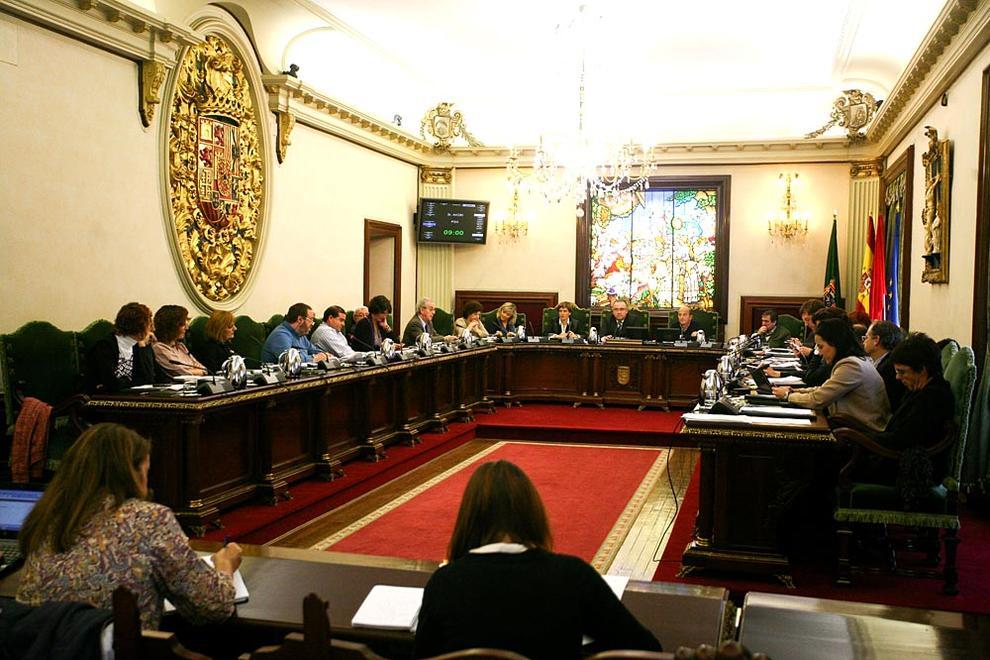 La oposición saca adelante su propuesta de modificación