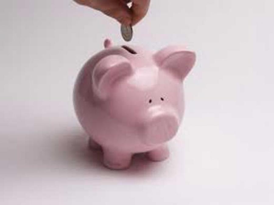 Ruego; sobre ahorro en gastos superfluos y prestamos contratados