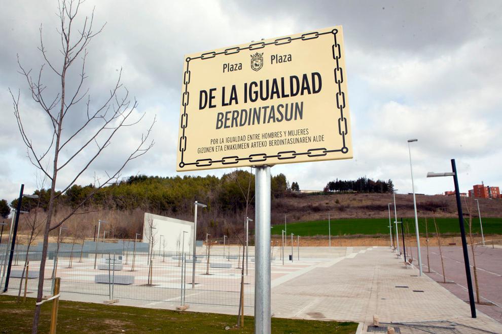 Moción para designar con nombres de mujeres, calles, lugares y edificios de Iruña-Pamplona