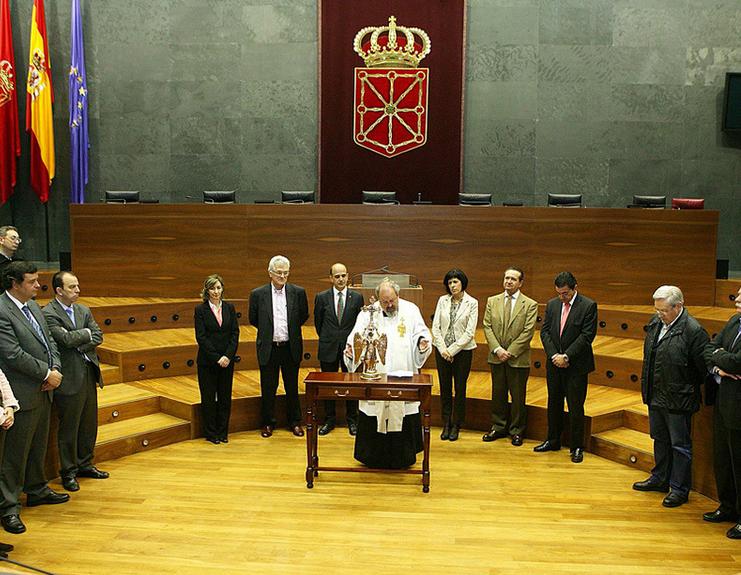 El Parlamento mantiene la visita del Ángel de Aralar, pese al rechazo de I-E