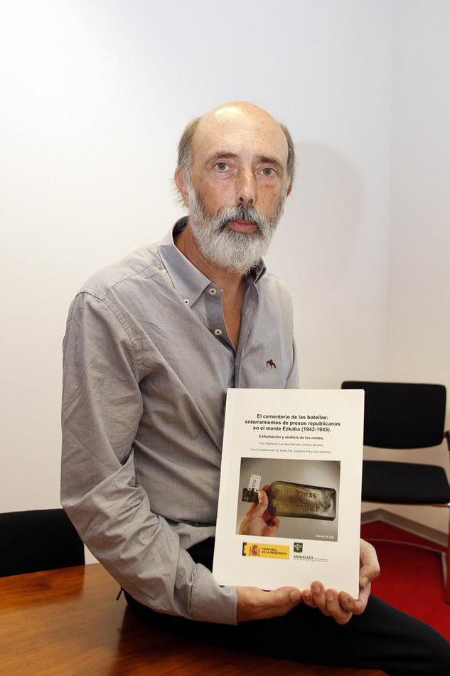 Apoyamos a Paco Etxeberria para el premio Principe de Viana 2013