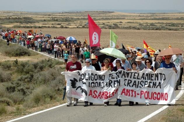 La marcha antipolígono de tiro de Bardenas pide una consulta popular