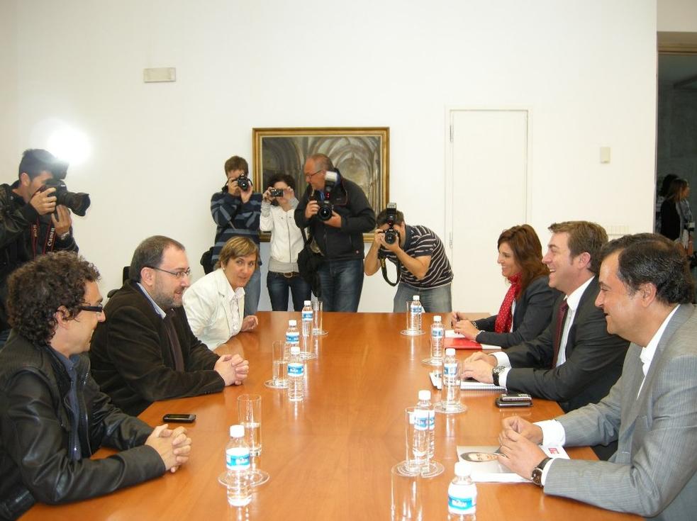 Izquierda-Ezkerra se muestra dispuesto a apoyar un Gobierno encabezado por el PSN