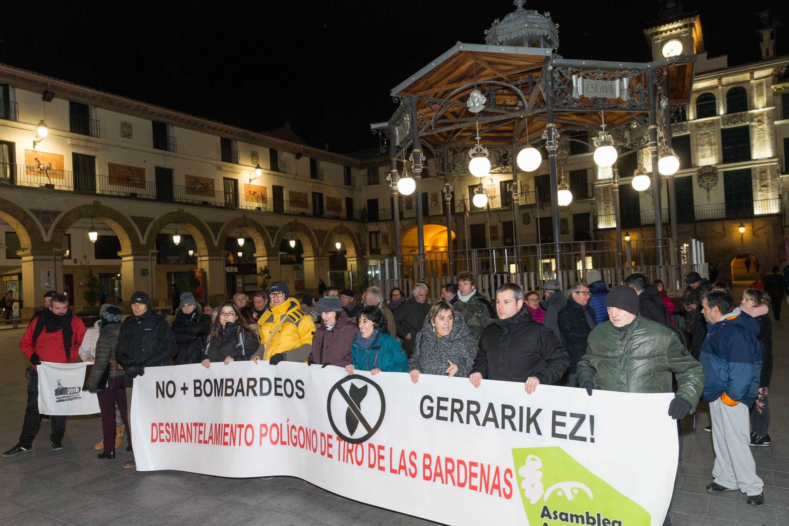 Izquierda-Ezkerra rechaza las maniobras con fuego real en el Parque Natural de Bardenas Reales y pide el desmantelamiento del polígono de tiro